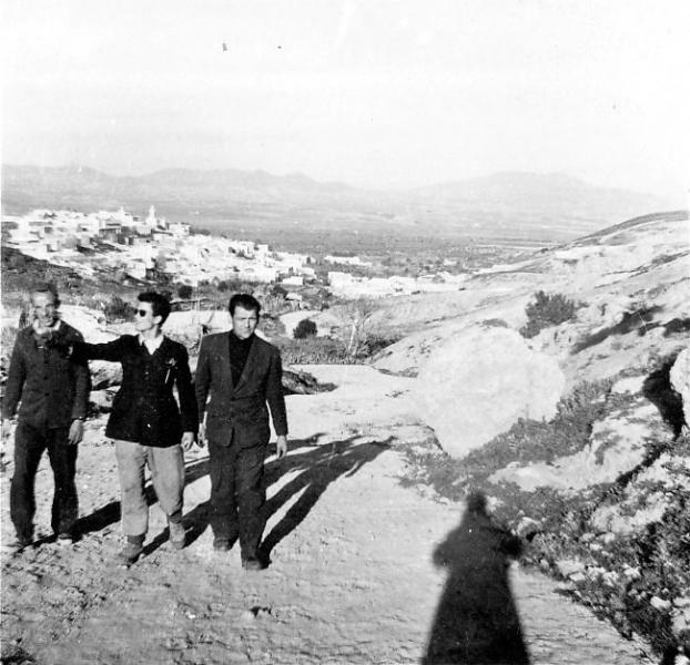 005e - Auf dem Weg zur römischen Quelle, im Hintergrund Zaghouan