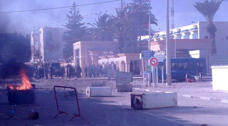 Sidi Bouzid brennt (2) - Die Unruhen in Sidi Bouzid