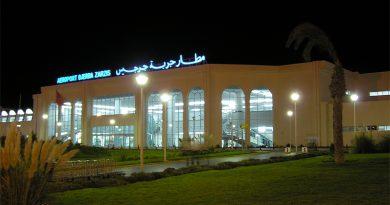 Flughafen Djerba bei Nacht - Foto: Martin Čejka., Attribution, https://commons.wikimedia.org/w/index.php?curid=6609063