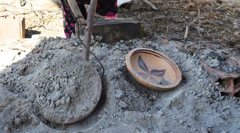 Töpferhandwerk der Frauen in Sejnane