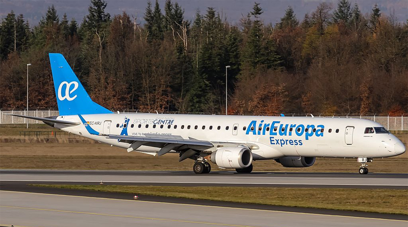 Embraer 195 von Air Europa Express - Bild: Oliver Holzbauer - EC-KRJ Air Europa Express Embraer ERJ-195LR coming in from Madrid (MAD / LEMD) @ Frankfurt - International (FRA / EDDF) / 24.11.2016, CC BY-SA 2.0, https://commons.wikimedia.org/w/index.php?curid=53506093
