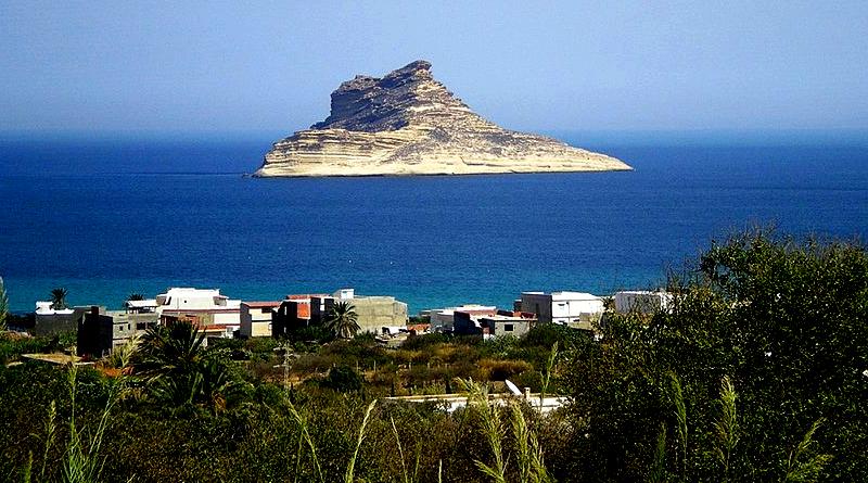 Die Insel Pilau vor Raf Raf im Gouvernorat Bizerté - Bild: Citizen59 - Eigenes Werk, CC BY-SA 3.0, https://commons.wikimedia.org/w/index.php?curid=2836804
