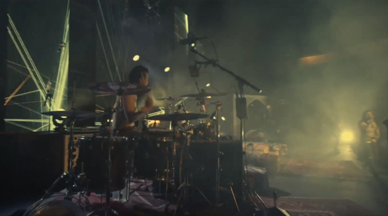 "Myrath - Screenshot aus ""Born to Survive"""