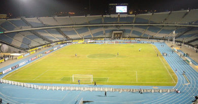 Cairo International Stadium - Foto: Von Der ursprünglich hochladende Benutzer war Realman208 in der Wikipedia auf Englisch - Übertragen aus en.wikipedia nach Commons., CC BY-SA 3.0, https://commons.wikimedia.org/w/index.php?curid=1611939