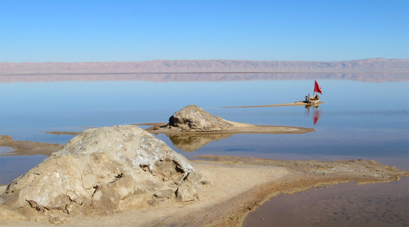 Chott El Djerid nach Regenfällen - Bild: Von David Stanley from Nanaimo, Canada - Chott El Djerid, CC BY 2.0, https://commons.wikimedia.org/w/index.php?curid=71822034