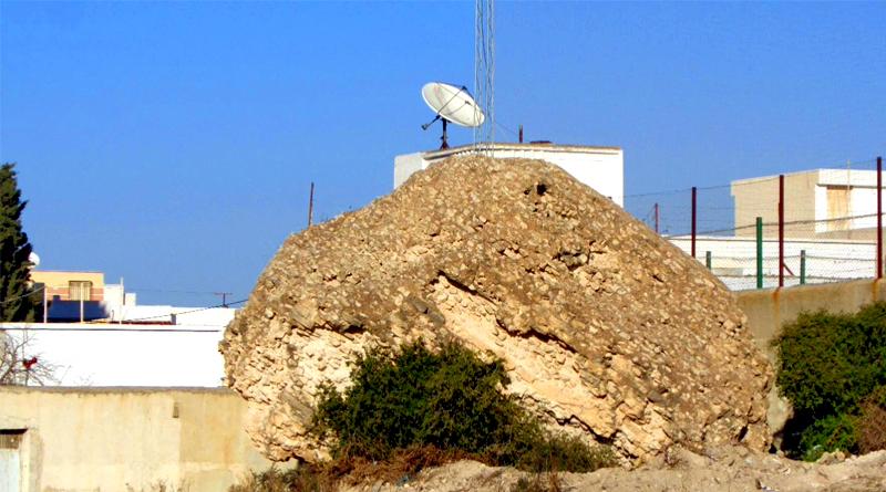 El Hajra El Maklouba - Die umgekippten Steine von Sousse