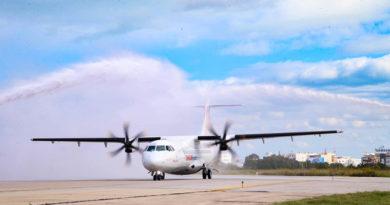 Wassersalut für die erste neue Maschine des Typs ATR72-600 CE an Tunisair Express
