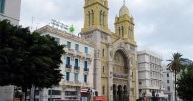 Kathedrale Saint Vincent de Paul - Von David Stanley from Nanaimo, Canada - Tunis Cathedral, CC BY 2.0, https://commons.wikimedia.org/w/index.php?curid=65171031