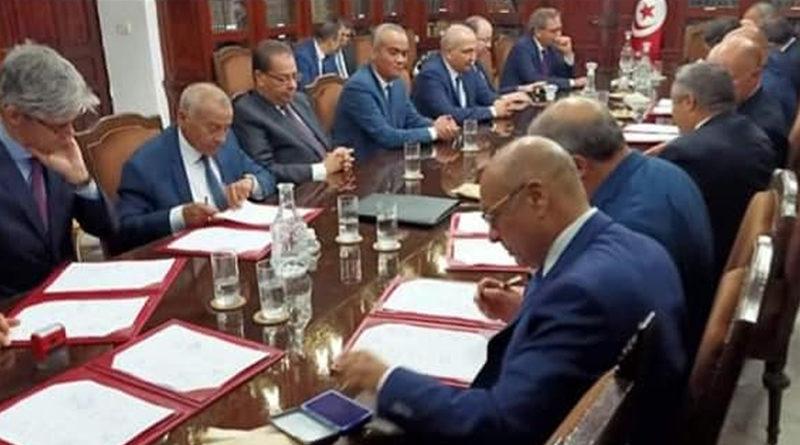 Finanzministerium unterzeichnet Kreditvertrag in Fremdwährung mit siebzehn lokalen Banken - Bild: Ministère des Finances -Tunisie