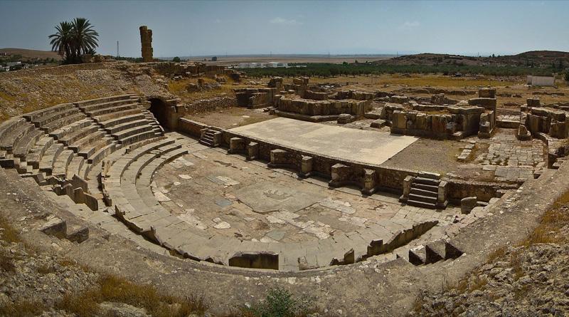 Bulla Regia Theater: Bild Elena Tatiana Chis - Eigenes Werk, CC BY-SA 4.0, https://commons.wikimedia.org/w/index.php?curid=62572702